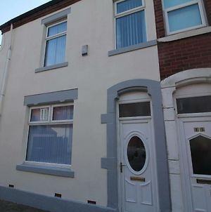 Henthorne Choice - Newly Refurbished - Large Property - Close To Town Centre photos Exterior