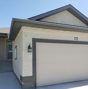 Bedroom In Bungalow*Private Bathroom*Close To St Vital Mall photos Exterior