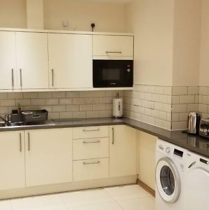 London Luxury Apartments 1Min Walk From Underground, With Free Parking photos Exterior