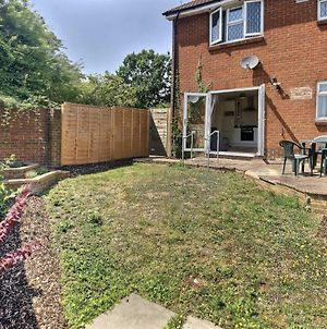 Home-From-Home - Self Catering Garden Apartment, Waterlooville photos Exterior