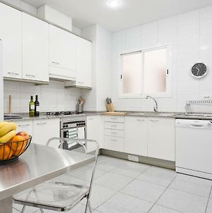 Large & Beautiful Apartment 4Min From Passeig De Gracia photos Exterior