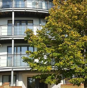 Sterling Modern Apartment, Greenhithe With Netflix & Amazon Music photos Exterior