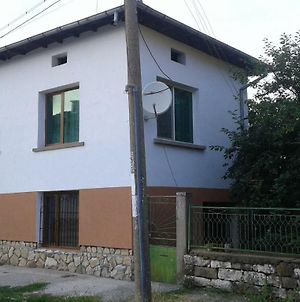 Lukovit Guest House photos Exterior