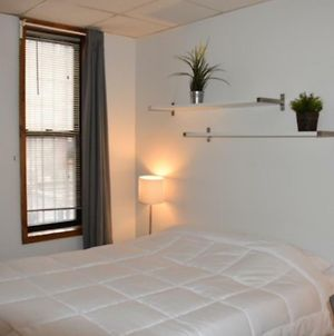 Comfortable 1 Bedroom Gem In Chinatown Lil Italy photos Exterior