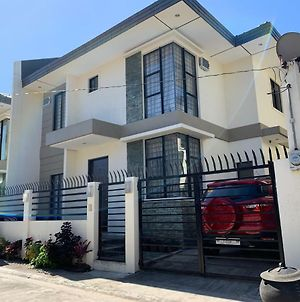 Well Kept , Spacious And Comfy Place In The Heart Of Bacolod photos Exterior