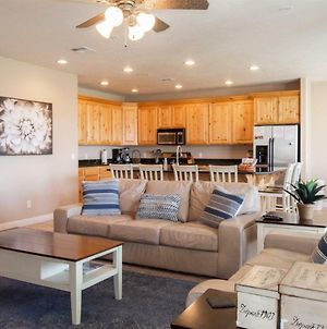 2103 No Stairs, Large Patio, Large Tv'S, King Size Beds, And Ps4 photos Exterior