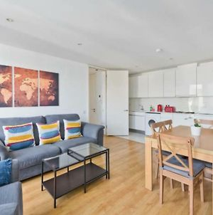 3 Bedroom Apartment In Dublin Docklands photos Exterior