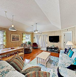 New Listing! All-Suite Beach Bungalow W/ Pool Cottage photos Exterior