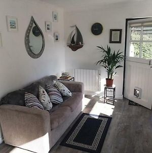 Knobbly Nook, Whole Property, Gardens, Parking, Wifi, Relaxing Near Eden Project And Coast photos Exterior
