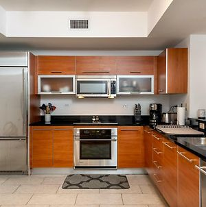 Waterfront 3 Bed 3 Bath High Rise Upscale Fully Loaded Condo photos Exterior