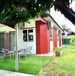 Ayang Guesthouse Parit Buntar photos Exterior