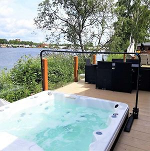 Tattershall Lakeside Lodge Indulgent Wheelchair Accessible 8 Berth With Hot Tub photos Exterior