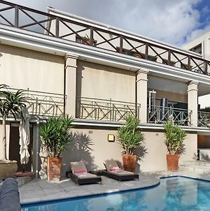 Something Special Villa In Glitzy Camps Bay photos Exterior