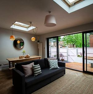 Stunning Open Plan House Close To City Centre photos Exterior