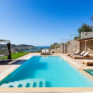 Villa Paris, Infinite Coastal Views! photos Exterior