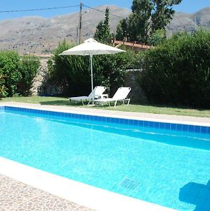 Villa With A Pool In Lefkogia photos Exterior