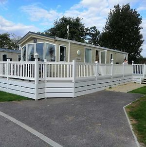 Caravan For Rent At Tattershall Holiday Park photos Exterior