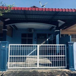 Abg Long Fadhil Homestay photos Exterior