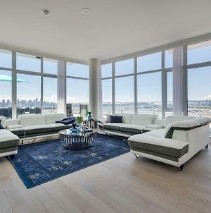 Waterfront Penthouse 3 Bed 3 Bath Pinnacle Area Panoramic Views Huge Private Patios photos Exterior