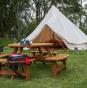 Sleeps-6 Lakeside Bell Tent - Suffolk photos Exterior