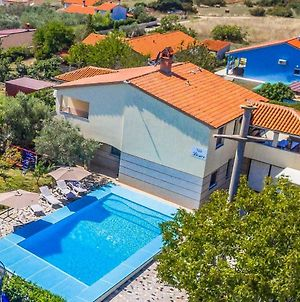 All Seasons Apartment With Private Pool ✯ ✯ ✯ ✯ photos Exterior