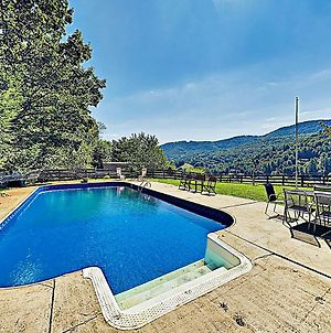 New Listing! Exquisite Country Hideaway W/ Pool Home photos Exterior