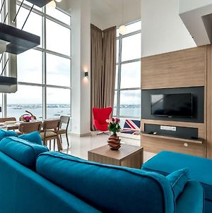 Maritime Luxury Suite By J&K Homestay photos Exterior