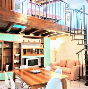 Family & Group Central Loft , Protected Parking Nearby ,Late Self Check-In photos Exterior