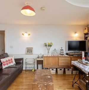 Amazing 2 Bed Apt W/Balcony Nr Stoke Newington photos Exterior