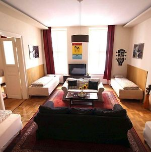 The House Of Blues! 3 Bedroom Prime Location Flat For 11 Guests photos Exterior