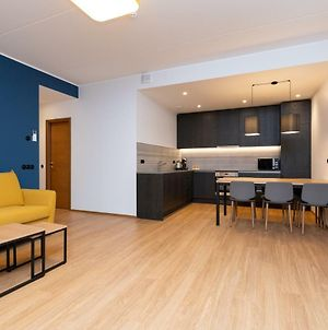 Self-Check-In 2 Bedroom Apartment With A Terrace And Free Parking photos Exterior