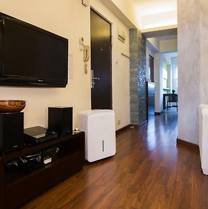 Kennedy Town - Fully Furnished Apartment - 3 Mins Walk To Mtr, Near Hk University photos Exterior