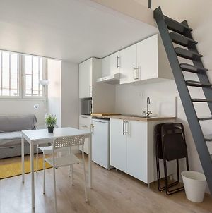 Available And Secure -Bright Apartment For 4 People photos Exterior