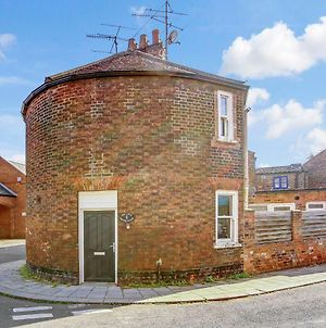 The Little Round House, Entire House In Town Centre, Sleeps 4 photos Exterior