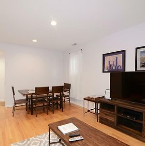 Lincoln Park - Short Walk To Wrigley! Sleeps 10! photos Exterior