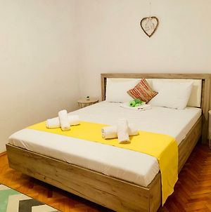 Ultracentral Apartment With All You Need: Wifi, Tv, Ac, Washer, Coffe photos Exterior