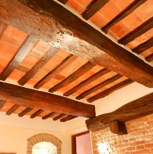 Spacious Two Bedroom Apartment In Center Of Charming Umbrian Town photos Exterior