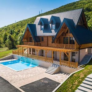 Wooden Houses Macola photos Exterior