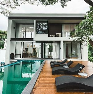 In The Mood Luxury Private Pool Villa photos Exterior
