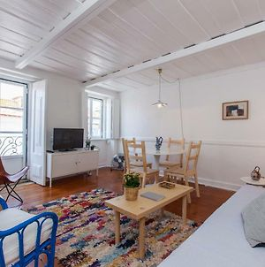 Alfama Sunny & Typical Apartment + Free Pick-Up, By Timecooler photos Exterior