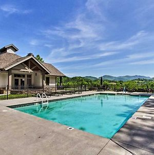 Cades Cove Paradise - Mountain Views, Fire Pit, Private Patio photos Exterior