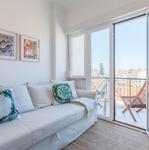 Renovated Sunny Apartment With Balcony And Free Pick-Up, By Timecooler photos Exterior