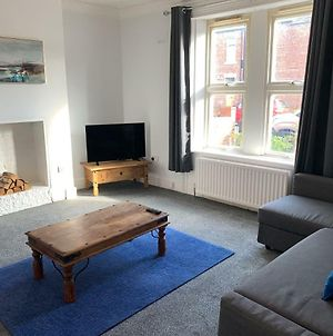 Cosy Ground Floor Apartment Close To Everything, Minutes Walk From The Rvi, City Centre & Parks photos Exterior