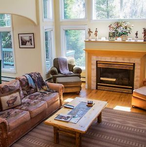 Beautiful East Vail 3 Bedroom Condo W/Hot Tub On Shuttle Route. photos Exterior