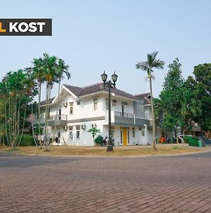 Koolkost Near Pelita Harapan University photos Exterior