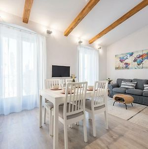 Lovely And Bright Apartment In The Heart Of Banyoles photos Exterior