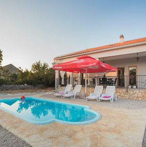 Holiday Home With Pool Kristal photos Exterior