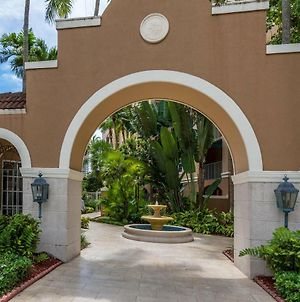 Yacht Club At Aventura 1 Bd 1 Bth Brand New photos Exterior