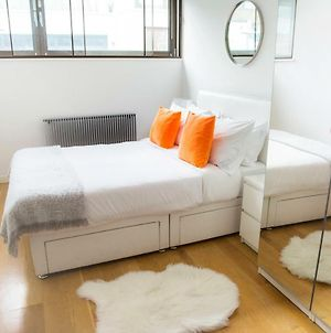 The Holborn Lights - Modern 3Bdr Home With Rooftop Terrace & Garage photos Exterior