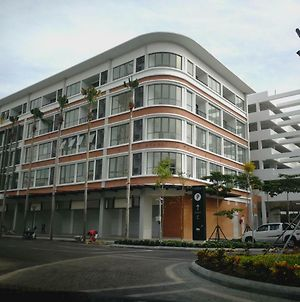Homezstay Soho Timesquare Miri photos Exterior